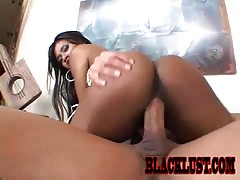 Vivica Coxxx Bends Over For Dick!